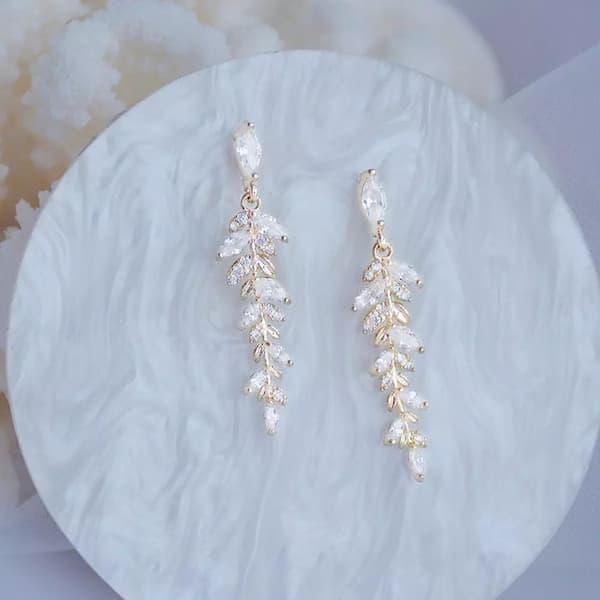 Boucles d'oreilles fantaisie feuilles pendantes